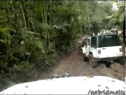 Jeep na 11a Trilha do Belchior Jeep Clube