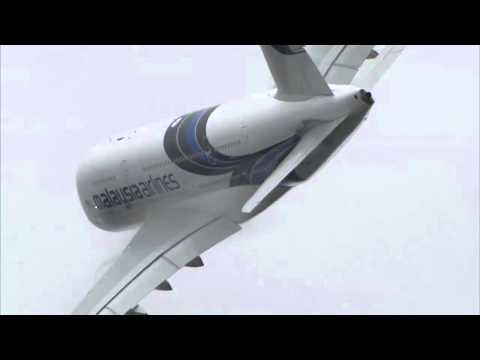 Farnborough 2012 - Malaysia Airlines A380 takes flight