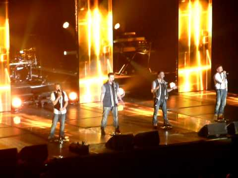 "Westlife live "" Flying without wings ""  Wembley Arena London 27th March 2011 27.03.2011 gravity tour"