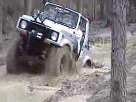 Suzuki Samurai Off-Road
