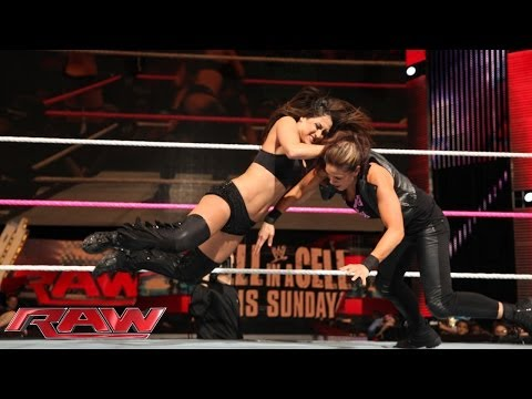 The Bella Twins vs. AJ Lee & Tamina: Raw, Oct. 21, 2013