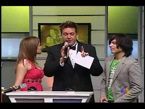 Marifer y Luis Armando cantan en el Show de Niurka
