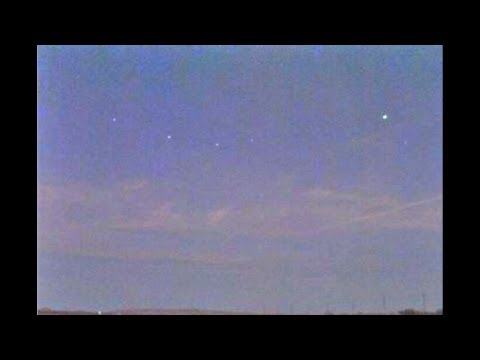 UFOs Over Seattle, WA and Kayenta, AZ - Numerous Reports - Nov. 15th and 16th, 2011