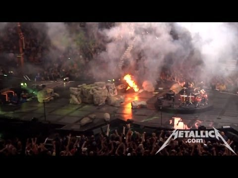 Metallica - Enter Sandman and Hit The Lights (Live - Vancouver, Canada) - MetOnTour