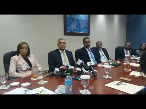 El ministro de Hacienda, Donald Guerreo, reconoció este jueves la proliferación de las bancas de loterías y apuestas y aseguró que las bancas en situación de ilegalidad duplican las que están bajo el marco legal.