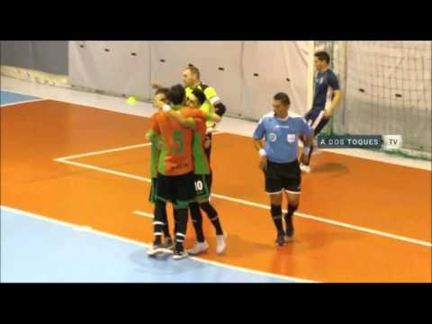 Golazo de Eduardo Villalva en el Superclásico de Futsal.