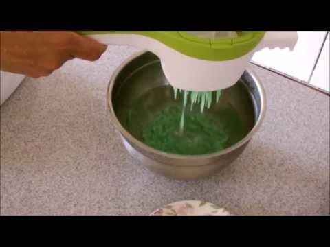 How to make cendol (မုန္႔လက္ေဆာင္းဖတ္ လုပ္နည္း)