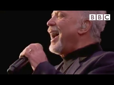 Tom Jones - It-s Not Unusual at T in the Park 2011