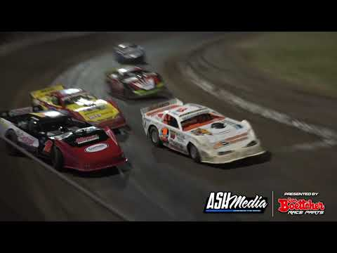 Super Sedans: 2015/16 National Title - A-Main - Rockhampton Speedway - 27.03.2016 - dirt track racing video image