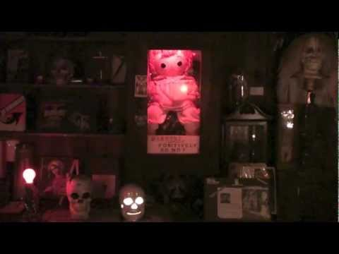 The Conjuring Occult Museum Annabelle tour with Lorraine Warren from Bearfort Paranormal - UCUSNFqd7-bA9_887NcUmQSw