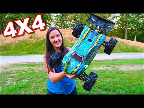 Force RC MuckRaker 1/8 Scale Truggy BASHING FUN - TheRcSaylors - UCYWhRC3xtD_acDIZdr53huA