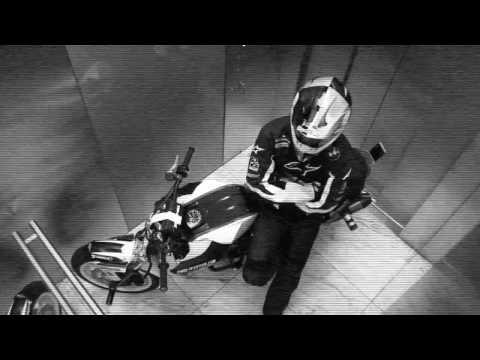 Chris Pfeiffer rides BMW Tower - UCYwrS5QvBY_JbSdbINLey6Q