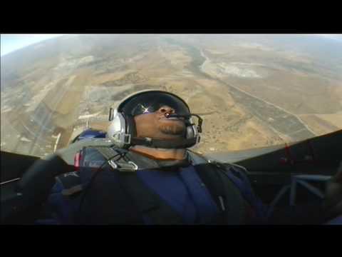 Reggie Bush gets WORKED in Red Bull Air Race plane - UCblfuW_4rakIf2h6aqANefA