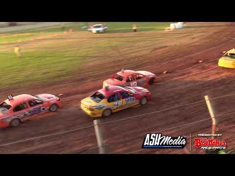 Street Stocks: 2016/17 National Title - Heat 23 - Kingaroy Speedway - 01.01.2017 - dirt track racing video image