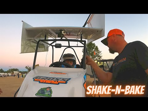 Movin' and Shakin', Keepin' us on the edge of our seat - Doe Run Raceway - Kart Racing Night #9 - dirt track racing video image