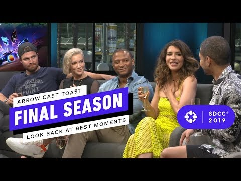 Arrow Cast Toasts to Final Season: Looking Back at the Series' Best Moments - Comic Con 2019 - UCKy1dAqELo0zrOtPkf0eTMw