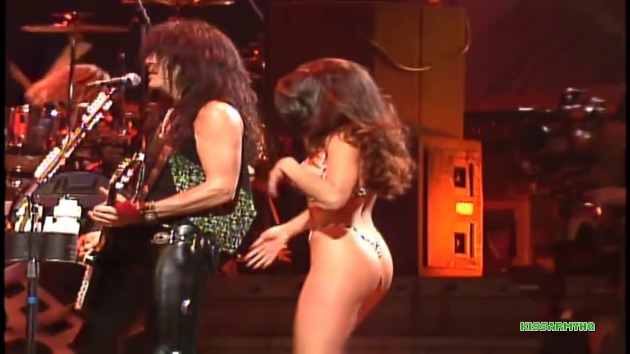 German kinky female singer nude on stage in nos concert - 5 4