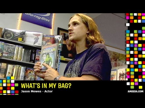 Jason Mewes - What's In My Bag? - UC9DkCKm4_VDztRRyge4mCJQ