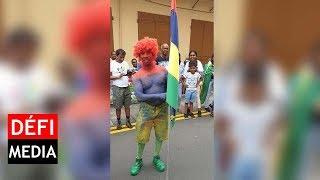 Célébrations des JIOI : un supporter peint aux couleurs de l'île Maurice de la tête au pied !