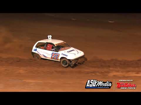 Junior Sedan: Top Stars - A-Main - Maryborough Speedway - 24.10.2020 - dirt track racing video image