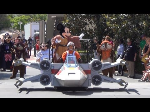 Legends Of The Force Motorcade - Star Wars Weekends Parade 2013, Disney's Hollywood Studios - UCe-gHr2O_LP7t0YJYHZQZlg