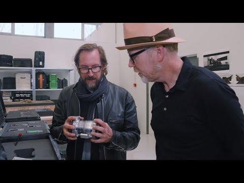 Adam Savage Explores the Props of Blade Runner 2049! - UCiDJtJKMICpb9B1qf7qjEOA