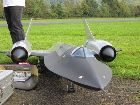 Roger Knobel ( A-12) SR-71 Blackbird Giant Remote Control Turbine Jet - UCTLEcIaYJEbUEzQc3-ZvruQ