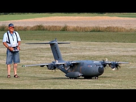 STUNNING RC AIRBUS A400M GIGANTIC SCALE MODEL AIRLINER FLIGHT DEMONSTRATION - UCH6AYUbtonG7OTskda1_slQ
