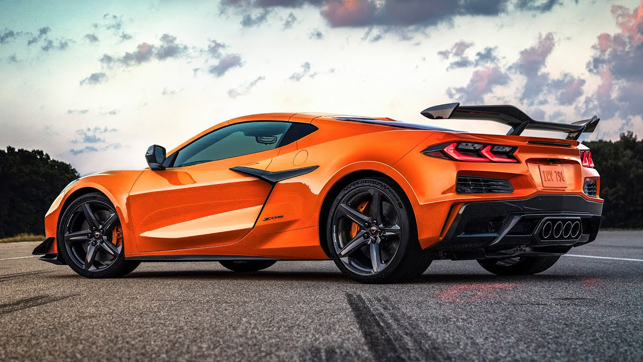 Check out the NEW CORVETTE Z06! FIRST LOOK