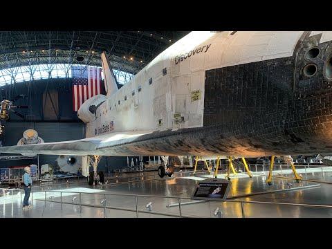 Adam Savage Examines the Space Shuttle Discovery! - UCiDJtJKMICpb9B1qf7qjEOA