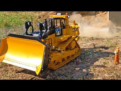 GRUMALU Bruder Toy RC conversion DOZER Caterpillar D10 / D11 upgrade - UCD_BMnibQvJPPub9S5KPPcQ