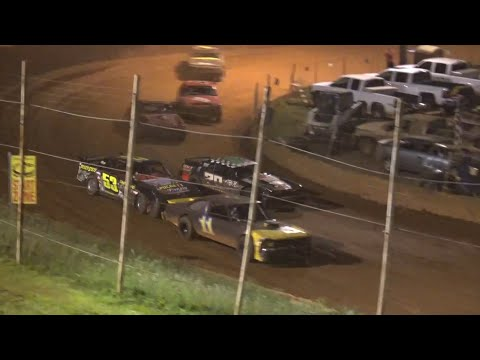 Stock V8 at Winder Barrow Speedway July 31st 2021 - dirt track racing video image