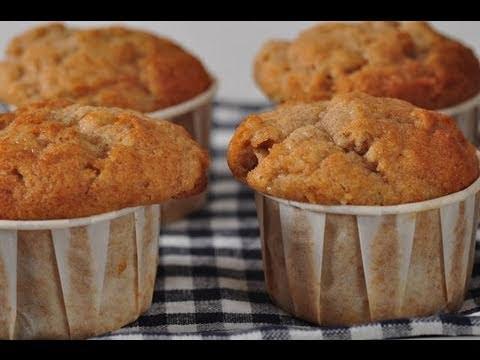 Banana Muffins Recipe Demonstration - Joyofbaking.com - UCFjd060Z3nTHv0UyO8M43mQ