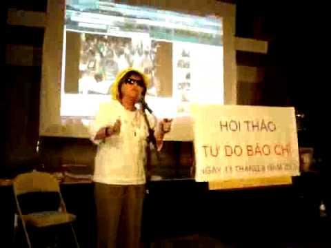 Luật sư Bùi Kim Thành phát biểu tại buổi hội thảo Tự Do Báo Chí