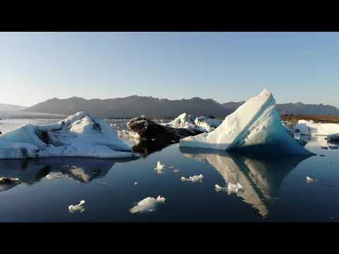 Jökulsárlón Glacial Lagoon, Iceland   Icelandair