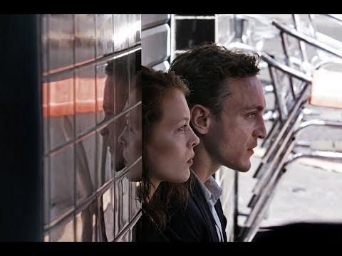 En tránsito - Trailer español (HD)