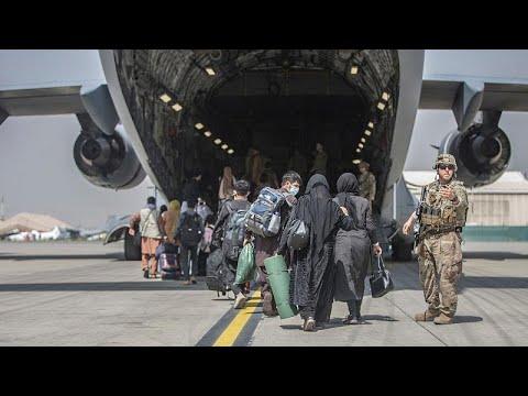 Több mint 70 ezer embert mentettek ki tíz nap alatt Kabulból, az Iszlám Állam merényletre készü…