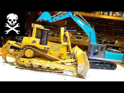 USING the KOBELCO EXCAVATOR to HELP REPAIR the CAT D9 BULLDOZER DRIVE MOTOR | RC ADVENTURES - UCxcjVHL-2o3D6Q9esu05a1Q