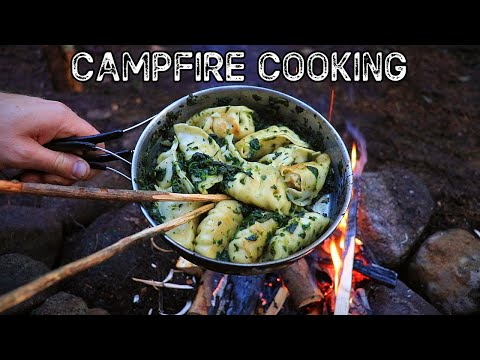 Bushcraft Camp Cooking: Split Wood Fire & Campfire Cooking