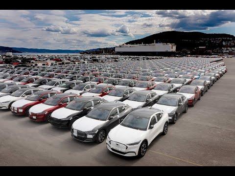 De første kundesolgte Ford Mustang Mach-E ankommer Norge| Ford Norge