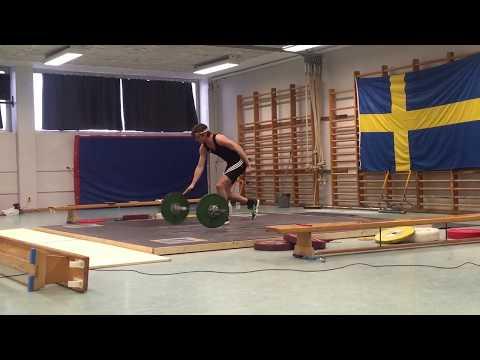 """Carl Cederström ställer upp i en tyngdlyftningstävling för """"Den vilda jakten på ett bättre jag"""""""