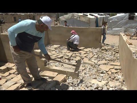 لبنان يفرض على اللاجئين السوريين هدم غرف بنوها في مخيمات عشوائية   AFP
