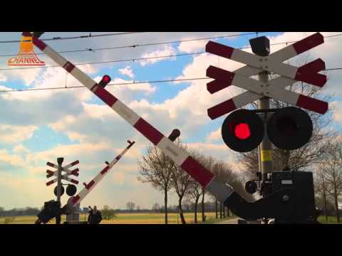 DUTCH RAILROAD CROSSING - Staphorst - J J  Gorterlaan photo