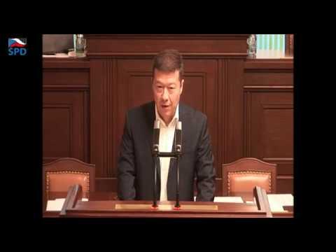Tomio Okamura: Okamura vs Sobotka naživo - Premiér odmítá referendum