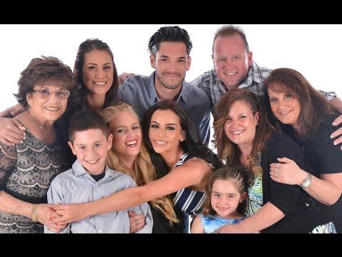 FAMILY CRUISE VLOG | Carli Bybel - UC21yq4sq8uxTcfgIxxyE9VQ