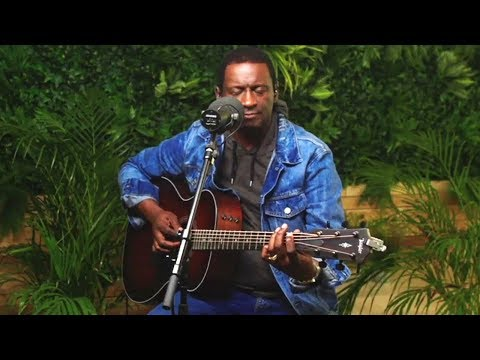 Noel Robinson - Rain (Official Acoustic Video)