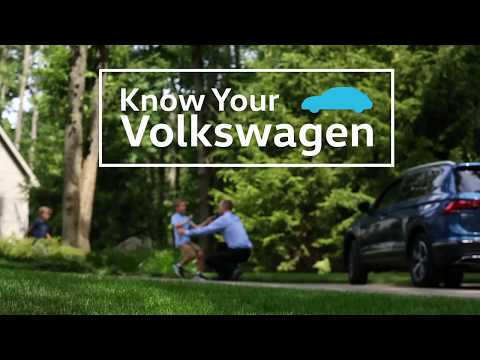 Knowing Your VW: 2018 Volkswagen | Making a Call Using Voice Recognition - UC5vFx0GahDIWLMFm5j2_JZA