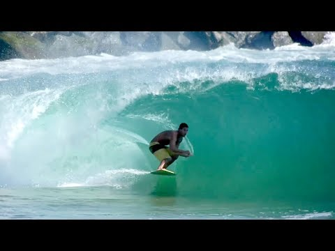 Raw Footage of Professional Skimboarder Catching Perfect Waves at The Wedge in Newport Beach, CA - UCaLUn54Z81X6kg3w5ugqqYA