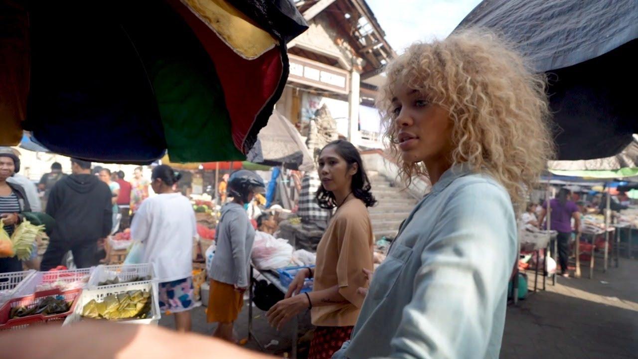 Jasmine Sanders Tours A Local Market In Ubud