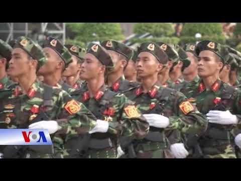 Chủ tịch nước: Quân đội phải 'tuyệt đối trung thành' với Đảng (VOA)